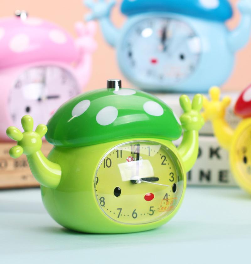 正品 可爱蘑菇语音闹钟 多彩萌物塑料台钟 数字指针时钟 颜色混发